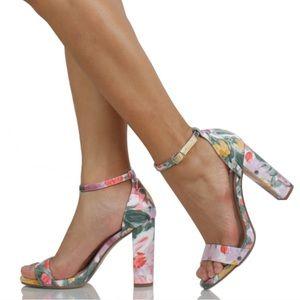 NIB Spring Floral Print Chunky Block Heel Sandal
